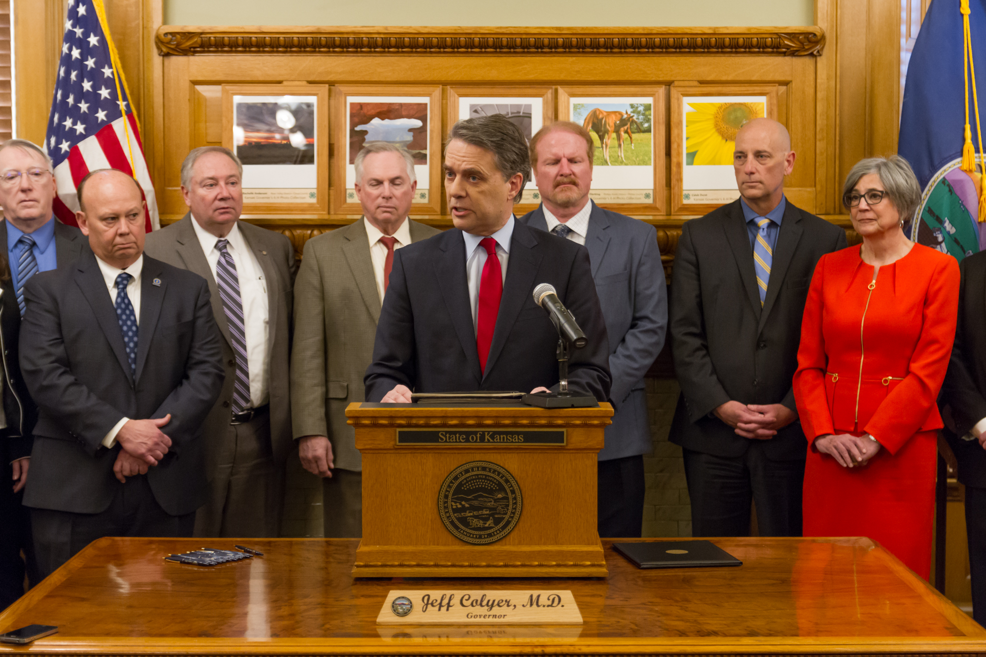 Governor Jeff Colyer, M.D. signs Executive Order 18-09 creating Governor's Task Force to Address Substance Use Disorders
